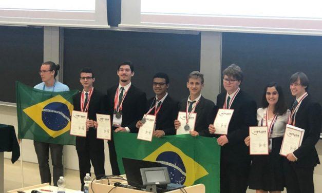 Alunos de escola goiana conquistam medalha de prata no Mundial de Física