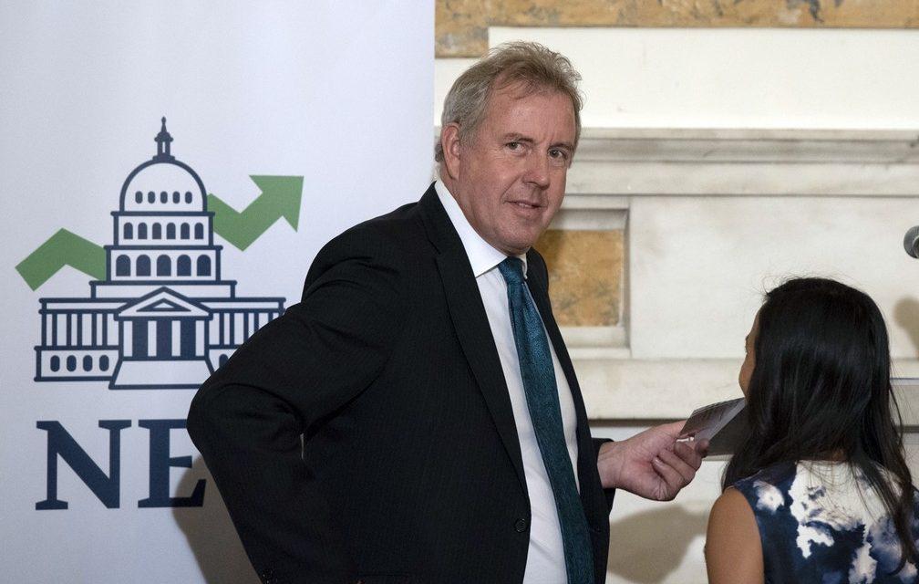"""Administração Trump é """"disfuncional"""", diz embaixador britânico"""