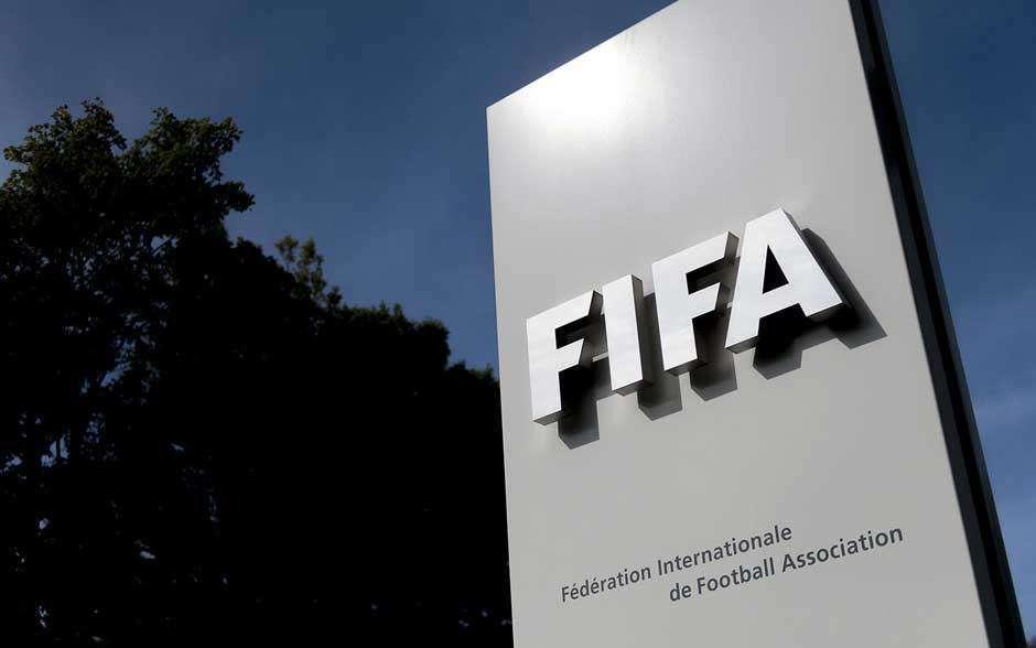 Novo Código Disciplinar da Fifa dá mais poder aos árbitros para combater racismo