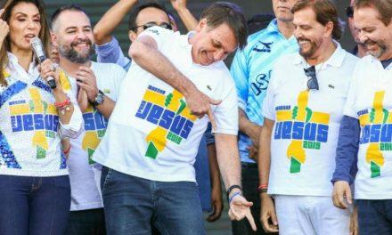 Para agradar evangélicos, Bolsonaro reduz obrigações fiscais de igrejas