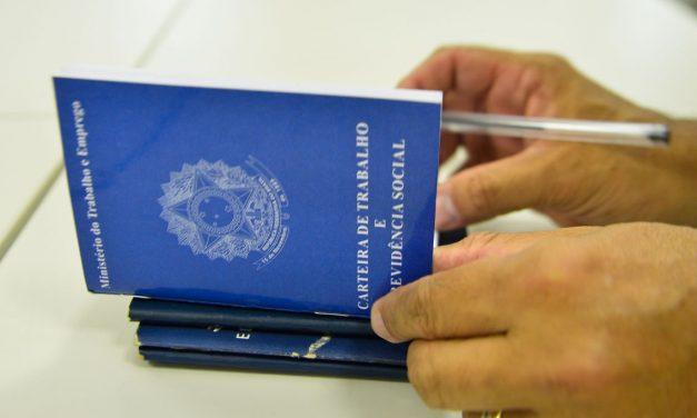 Pequenos negócios sustentam geração de emprego pelo quinto mês no país