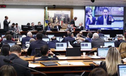 Previdência: comissão consolida texto aprovado em plenário, e PEC segue para votação em 2º turno