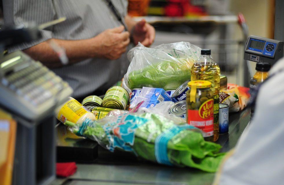 Inflação para famílias com renda mais baixa cai para 0,07% em junho