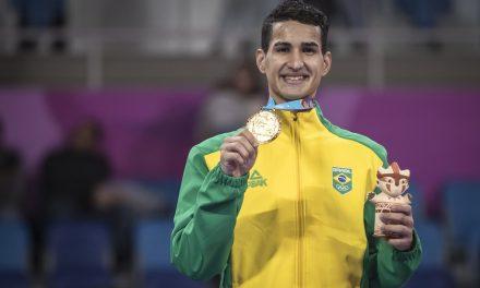 Em final emocionante, Netinho Marques vira no fim e conquista o ouro no taekwondo