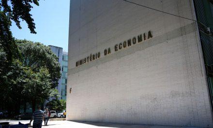 País registra superávit de US$ 27,13 bi no primeiro semestre