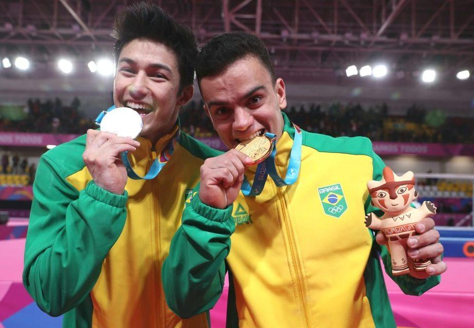 Caio Souza e Arthur Nory fazem dobradinha inédita na ginástica artística do Pan