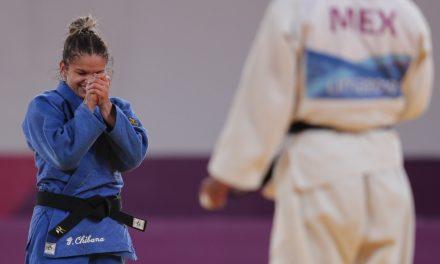 Na estreia do judô, jovens Renan Torres e Larissa Pimenta levam a medalha de ouro