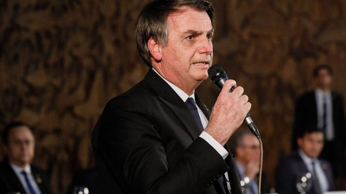 Economia está dando sinais de recuperação, diz Bolsonaro