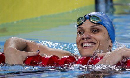 Estreante Carolina Santiago bate recorde e conquista ouro em Lima