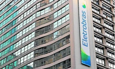Eletrobras paga R$ 1,27 bilhão à Petrobras