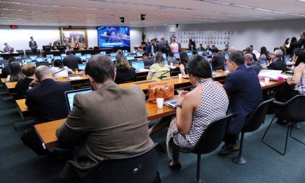 CCJ do Senado aprova PL que criminaliza desafios como o da boneca Momo
