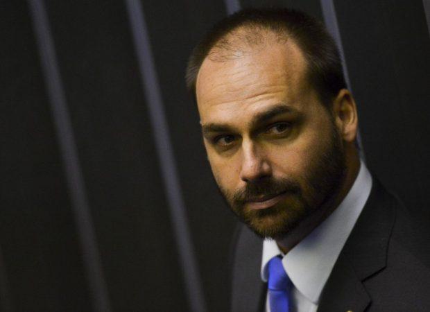 Bolsonaro: nome de Eduardo vai ser apresentado ao Senado, não tem recuo