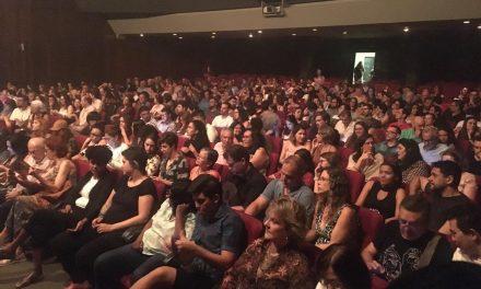 Plateias lotadas marcam estreia do Aldeia Sesc de Artes