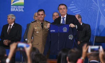 Governo lança programa para escolas cívico-militares