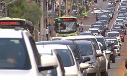 Goiás dobra a frota em 10 anos e atinge 4 milhões de veículos registrados, diz Detran