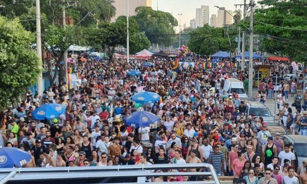 Com festa e cobrança de direitos, Parada Gay chega a sua 24ª edição em Goiânia