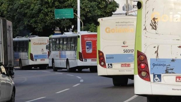 Passageira que teve mão prensada em porta de ônibus receberá R$ 20 mil da Metrobus