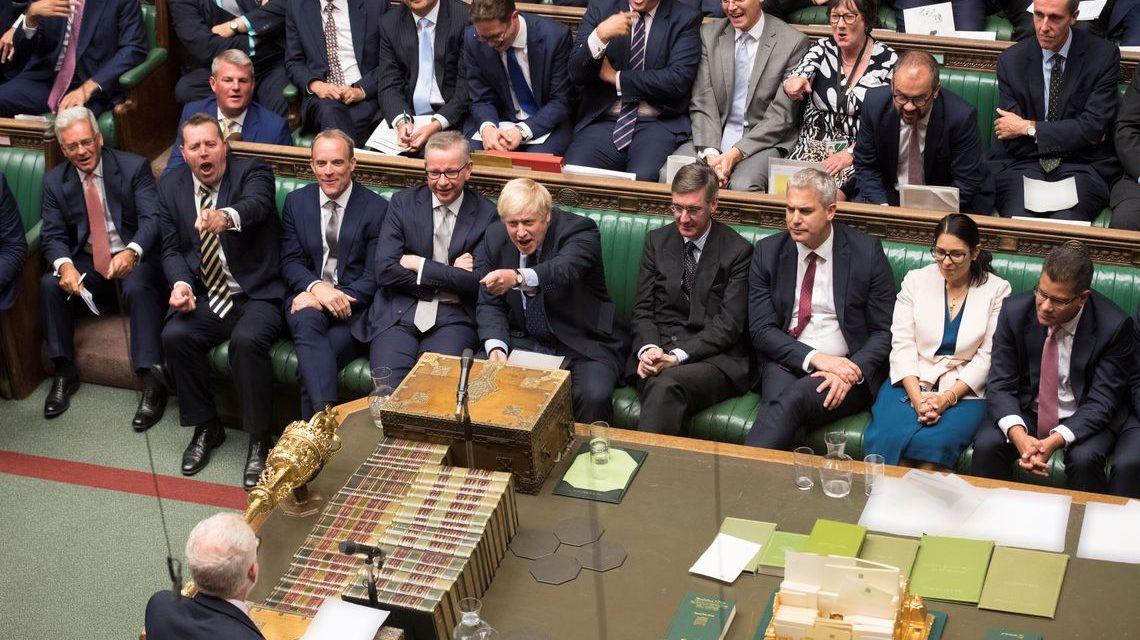 Parlamento britânico adia decisão sobre novo acordo do Brexit