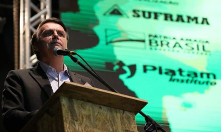 Brasil vai manter relação pragmática com Argentina, diz Bolsonaro