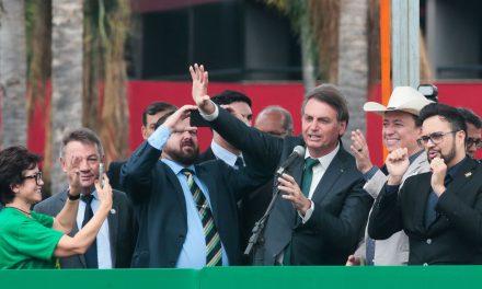 Bolsonaro faz ato de lançamento de novo partido em Brasília