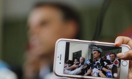 Bolsonaro comemora desempenho da economia