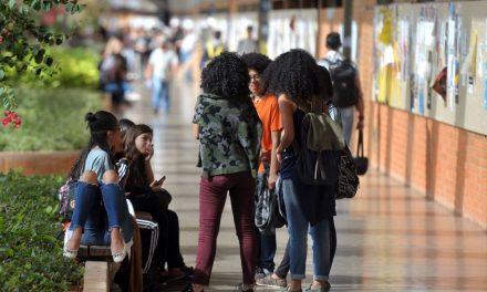 Após liberação de recursos, 100% das bolsas da Capes estão garantidas