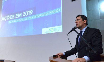 Moro discutirá com Bolsonaro vetos a partes do projeto anticrime