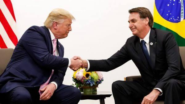 Trump se compromete a não taxar aço brasileiro, diz Bolsonaro