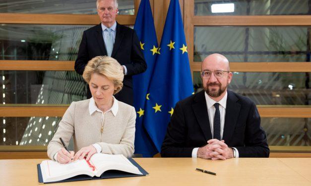 União Europeia firma acordo do Brexit em Londres