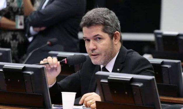 PSL de Aparecida de Goiânia quer Delegado Waldir na disputa com Mendanha