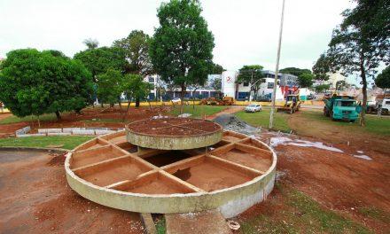 Enel não remaneja rede elétrica e obras na Praça do Cruzeiro ficam paralisadas