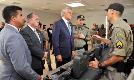 Polícia Militar goiana recebe novas armas e munições