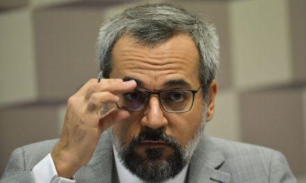 Decreto retifica data de exoneração de Weintraub