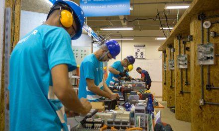 Faturamento da indústria fecha 2019 com queda de 0,8%, diz CNI