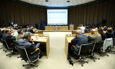 Coronavírus: ministro e secretários discutem plano de contingência