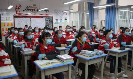 China anuncia que tem menos casos locais de coronavírus