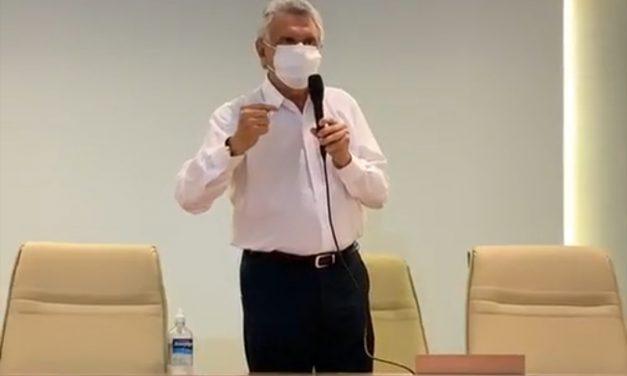 """Caiado faz apelo a população: """"parem de ir a Brasília"""""""