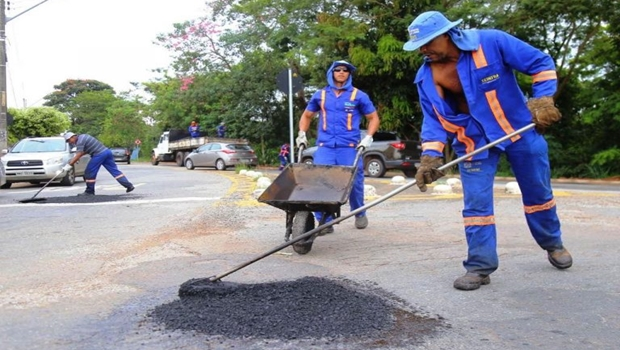Mais de 360 bairros já foram atendidos pela segunda fase da operação tapa-buracos