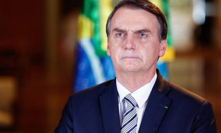 Bolsonaro: governo não vai interferir para controlar preço do petróleo