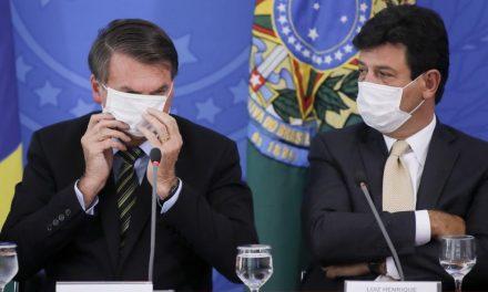 Em clima de despedida, ministro da Saúde comunica que Bolsonaro irá substituí-lo