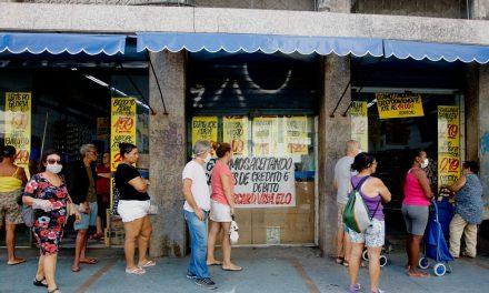 Brasileiros acreditam em inflação de 5,1% nos próximos 12 meses