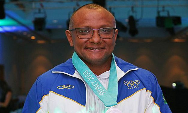 Brasil terá novo medalhista olímpico, Cláudio Roberto, prata em Sydney