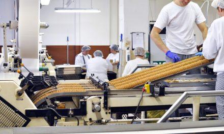 Confiança do setor industrial segue baixa