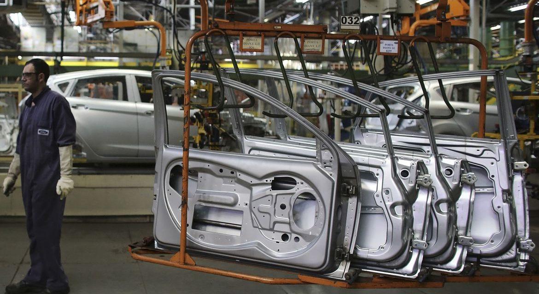 Produção de veículos cai 32% em julho em relação a 2019