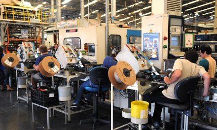 Demanda por bens industriais cai 11,9%, indica Ipea