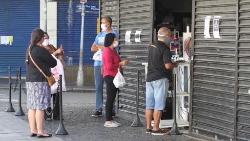 Isolamento intermitente para conter pandemia deve ser adotado em Goiás