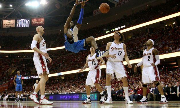 NBA pode recomeçar em complexo esportivo da Disney, na Flórida (EUA)