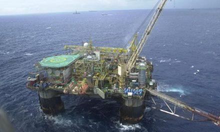 Mesmo com crise, Petrobras bate recorde e exporta 1 milhão de barris