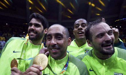 Serginho, multicampeão das quadras de vôlei, encerra carreira de atleta