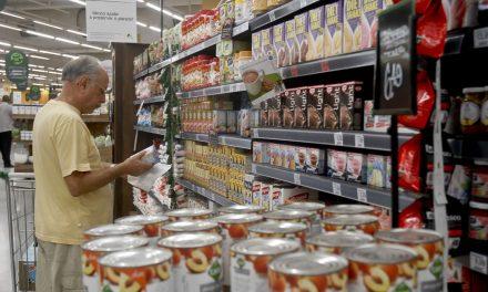 Cesta de compras para famílias de renda mais baixa tem queda de 0,23%